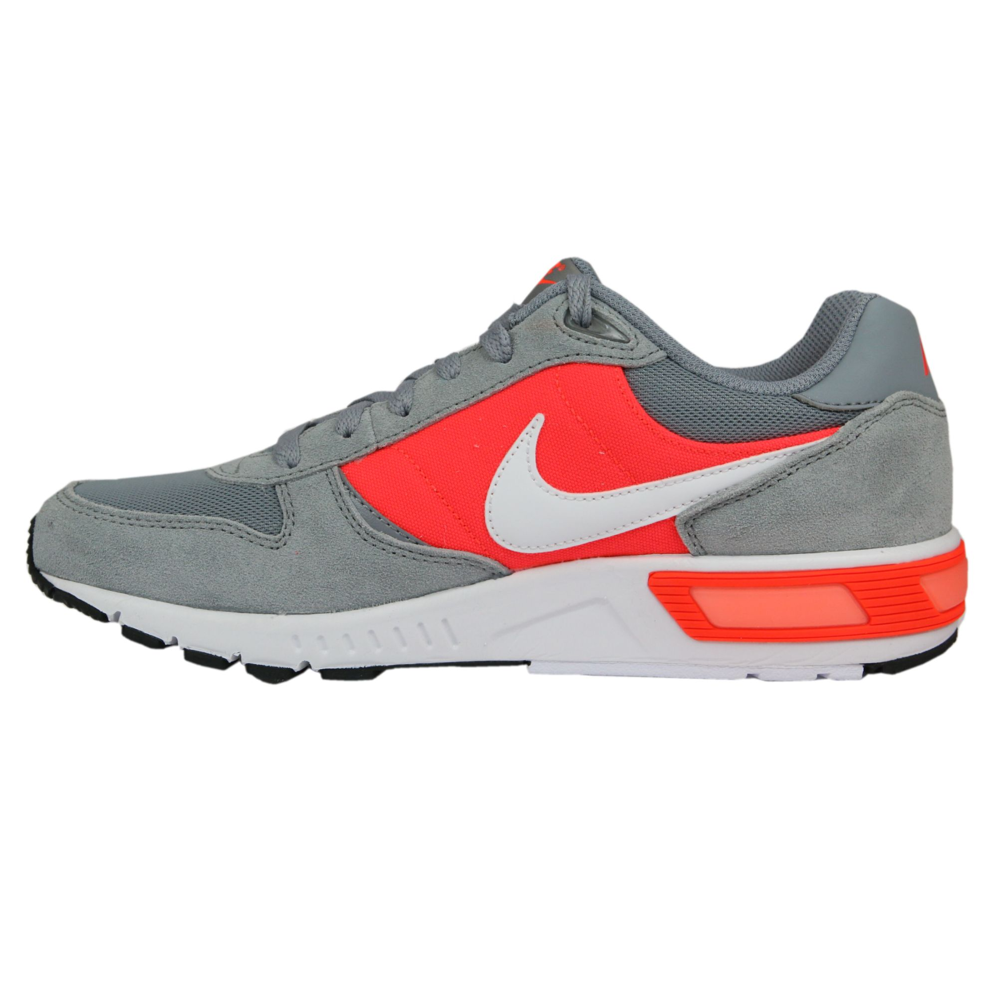 Nike-Nightgazer-LW-SE-Shoes-Gym-Shoes-Sneakers-